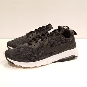 Nike Womens Air Max Motion Shoes Sneakers